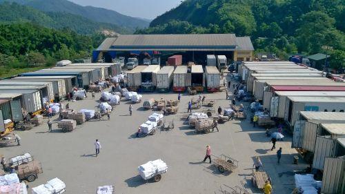 Sôi động thị trường xuất nhập khẩu cuối năm  Tiêu đề Sản phẩm có sẵn